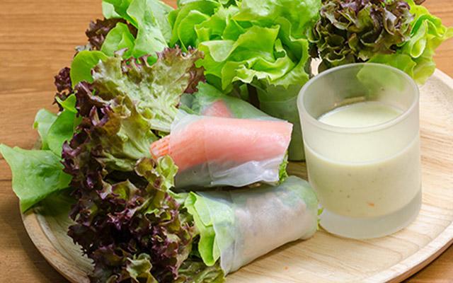 สลัดโรลล์ปูอัด อาหารคลีน อาการเพื่อสุขภาพ ควบคุมอาหาร ลดน้ำหนัก อาหารมีประโยชน์ ร่างกานแข็งแรง